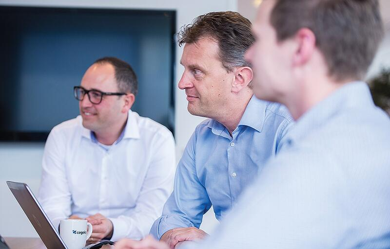Sales-Management-Staff-Header